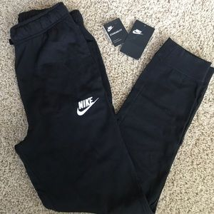 Nike Boys sweatpants - never been worn!